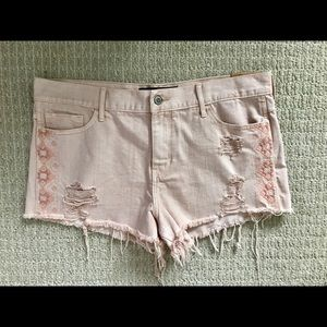 < NWT Distressed Hollister Shorts >
